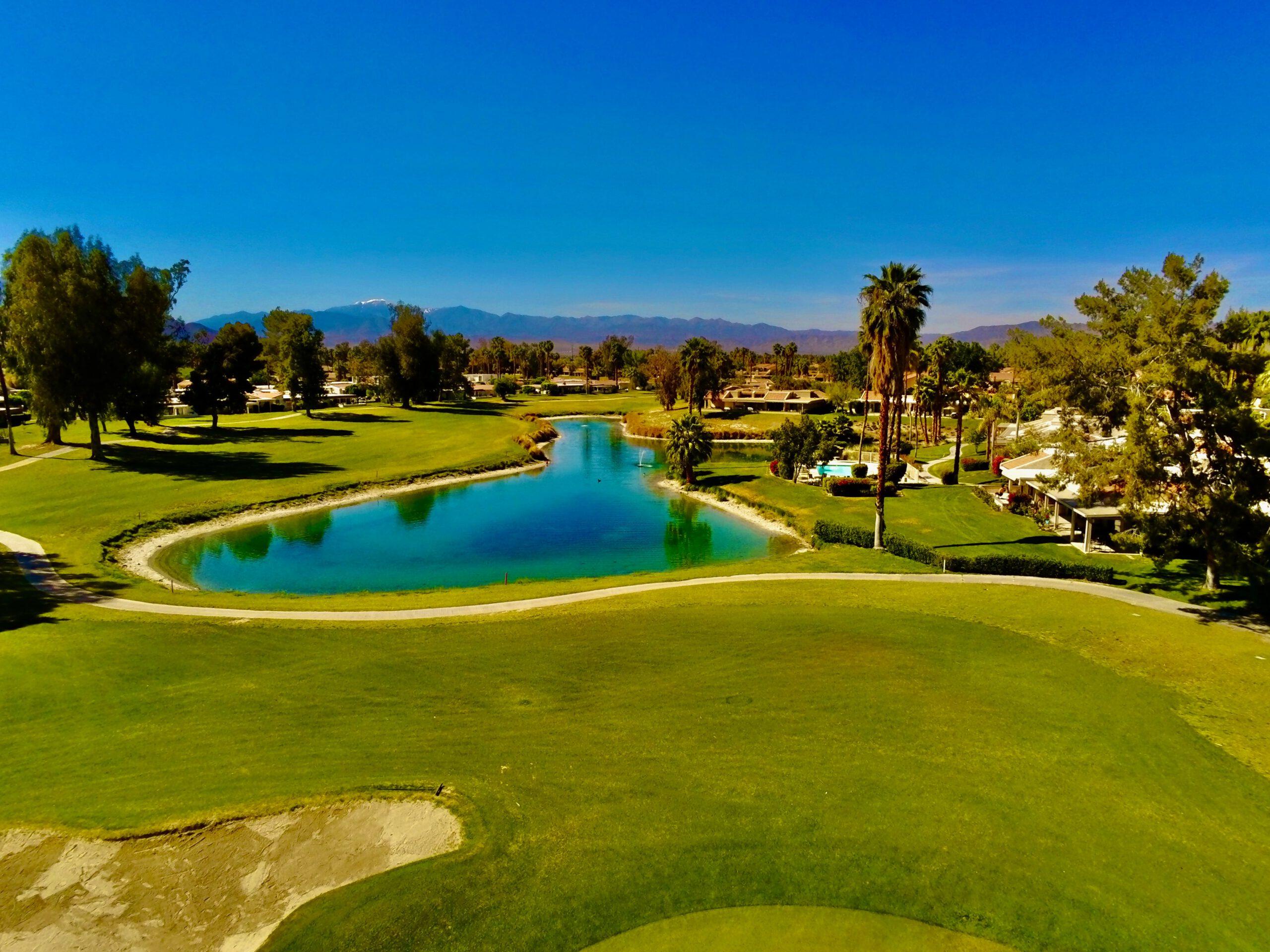 pole do gry w golfa